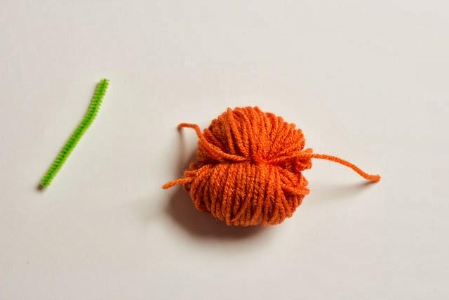 How to make yarn pumpkins - just like making a pom-pom!