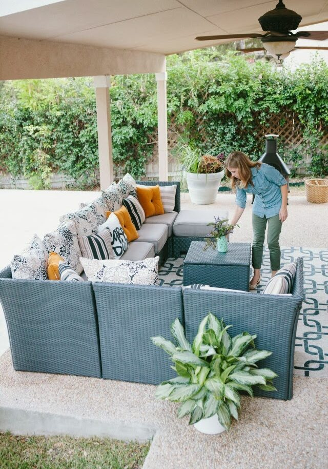 How to decorate your patio for fall #falldecor #patiodecor