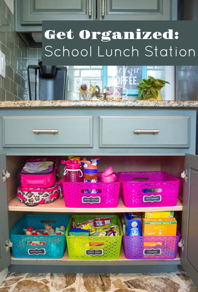 How to create a school lunch station #schoollunchideas #kidslunchideas #lunchstation #sacklunchideas