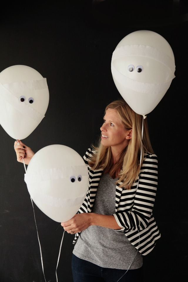 Halloween Mummy Balloons! || Design Improvised blog