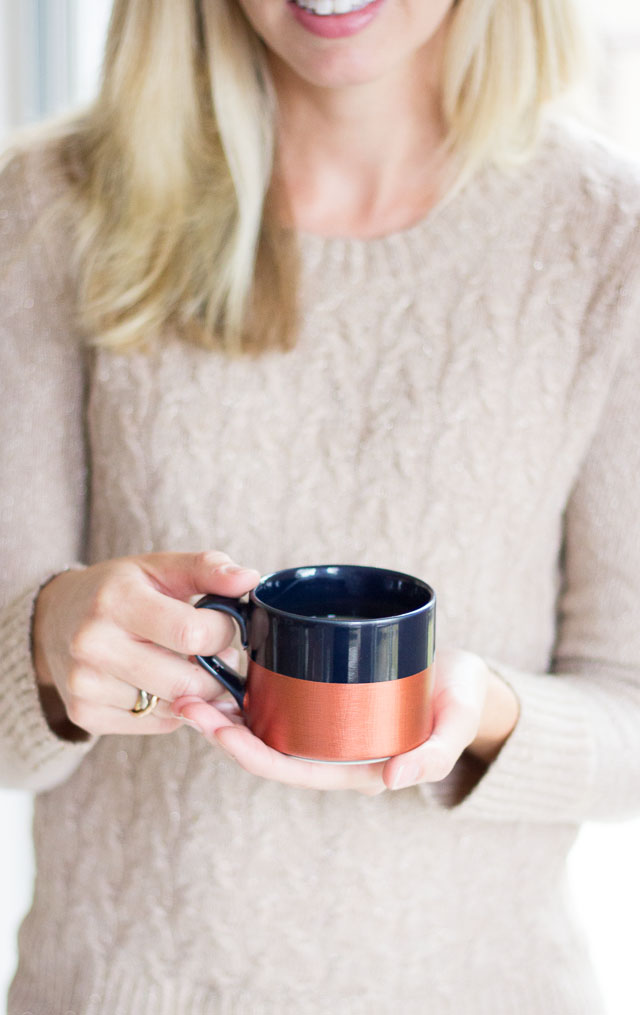 Metallic dipped coffee mugs! || http://www.designimprovised.com
