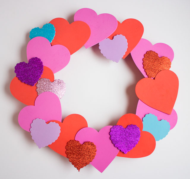 Valentine's Day heart wreath - made for under $15 from inexpensive foam hearts! || http://www.designimprovised.com