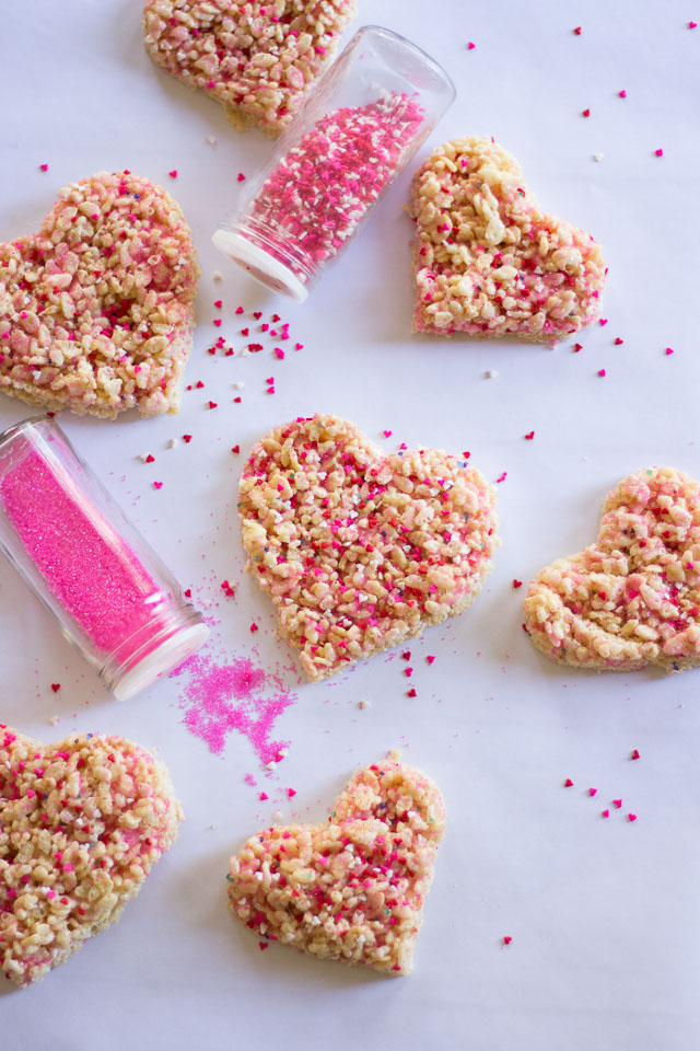 Rice Krispie Sprinkle Hearts - the perfect preschooler activity! Let them go nuts with sprinkles and then cut out with cookie cutters!   http://www.designimprovised.com