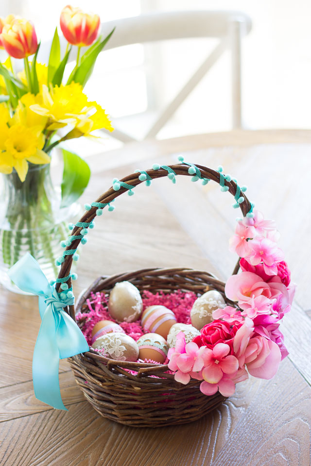 Make these gorgeous DIY floral Easter baskets in under 15 minutes!