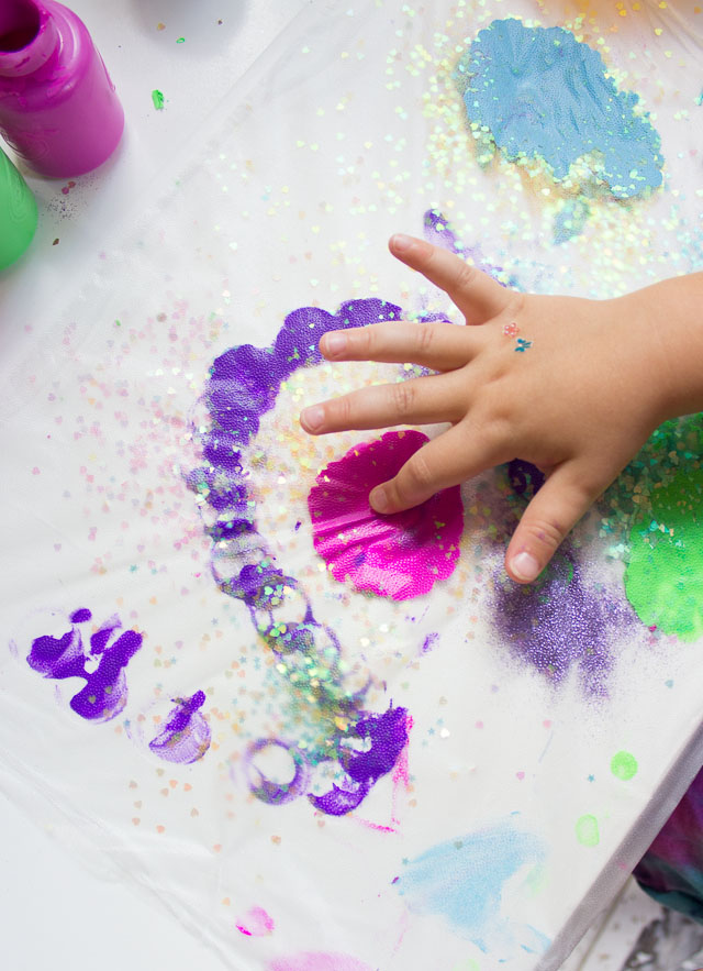 A Glitter-Filled, Mess-Free Kids Craft with Glad Press'n Seal