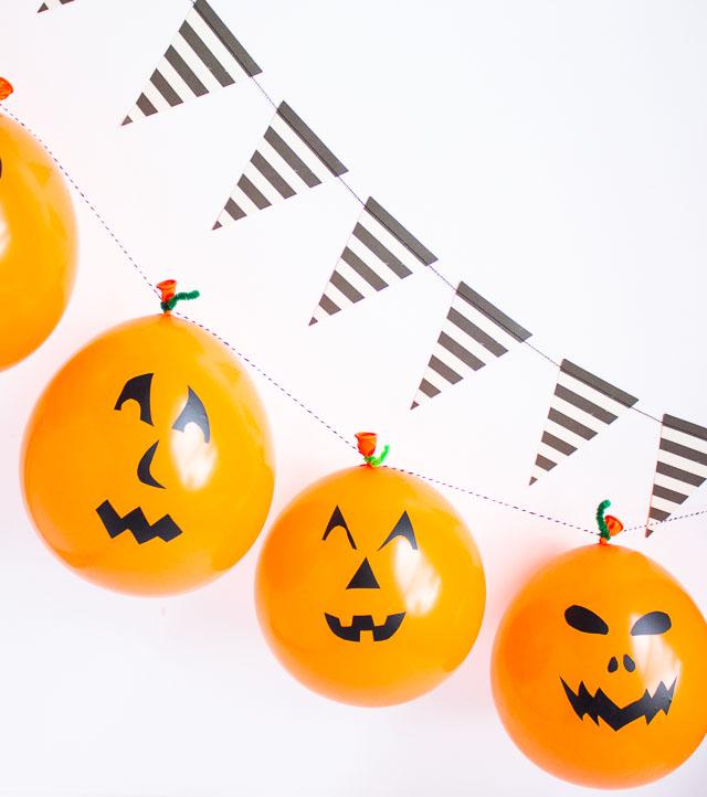 How to make a Halloween balloon garland #halloweenballoons #balloongarland #pumpkinballoons