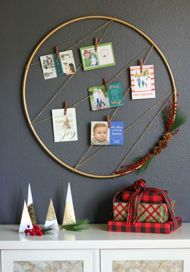 Hula hoop holiday card display idea