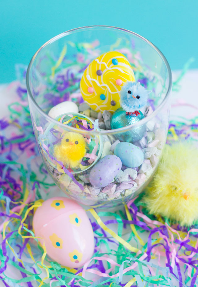 How cute are these fluffy chick terrariums for Easter?