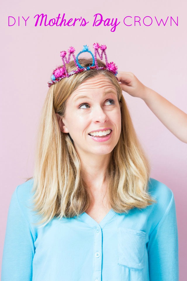 How to make a pipe cleaner crown #pipecleanercrown #momcrown #mothersdaykidscraft