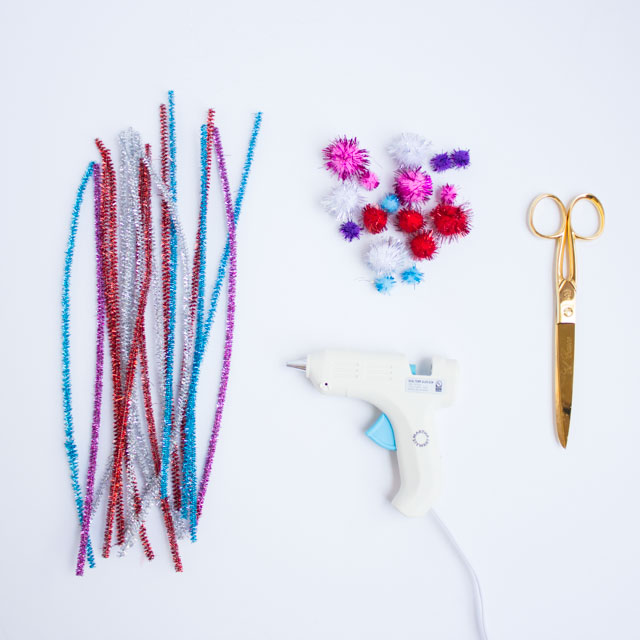 Supplies for pipe cleaner crown