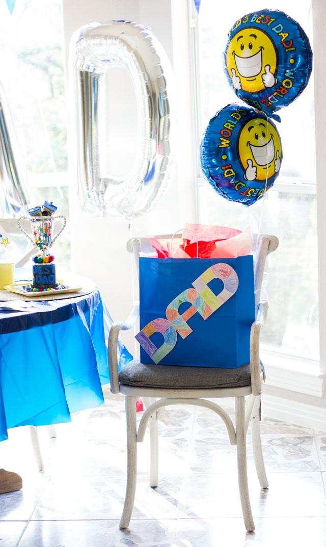 World's Best Dad balloons