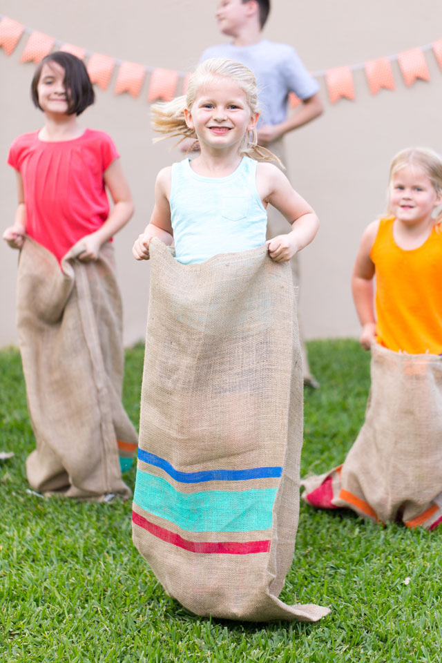 Kids backyard field day party - the perfect idea for summer fun!
