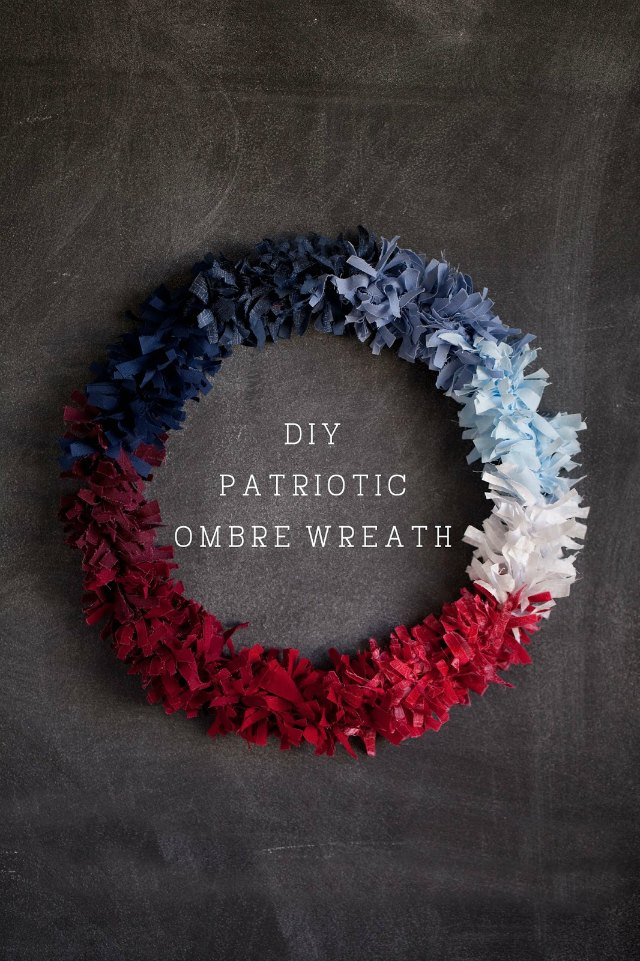 DIY Patriotic Ombre Wreath - so stunning!