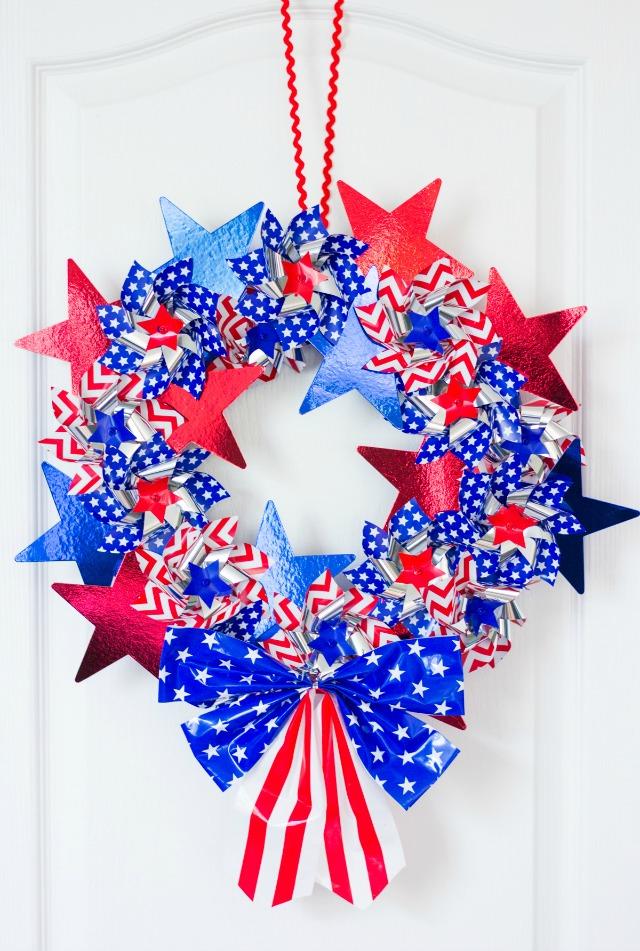 DIY Patriotic Pinwheel Wreath Tutorial