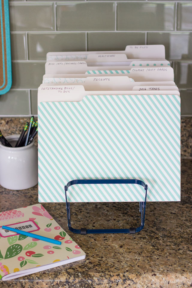 7 simple tips for organizing your paperwork!