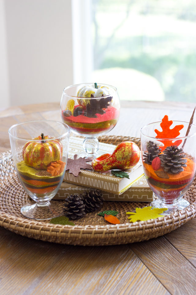 Make these pretty sand art terrariums for fall!