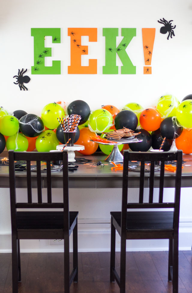 Simple ideas for a spider themed Halloween party!