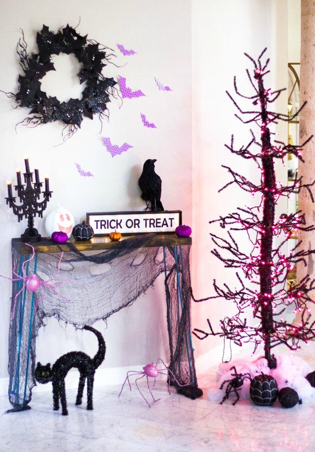 Spooky Halloween foyer home decor ideas