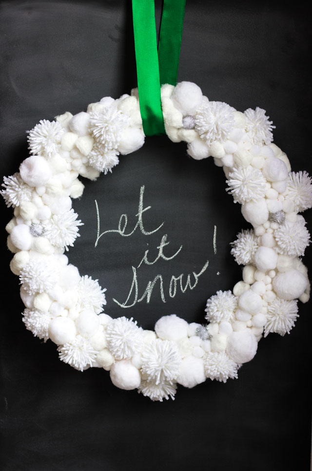 Snowball wreath made from pom-poms