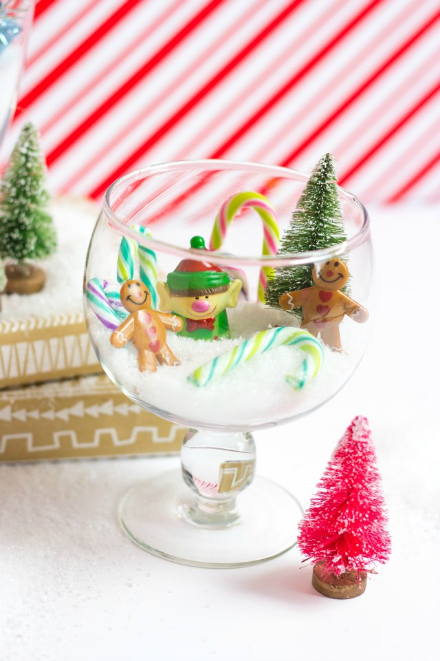 These mini Christmas terrariums are a simple and sweet version to making a snow globe!