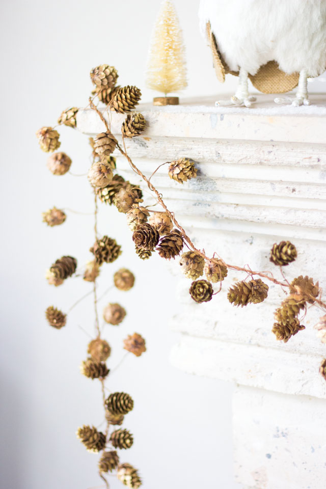 Love this pretty pinecone garland for a Christmas mantel