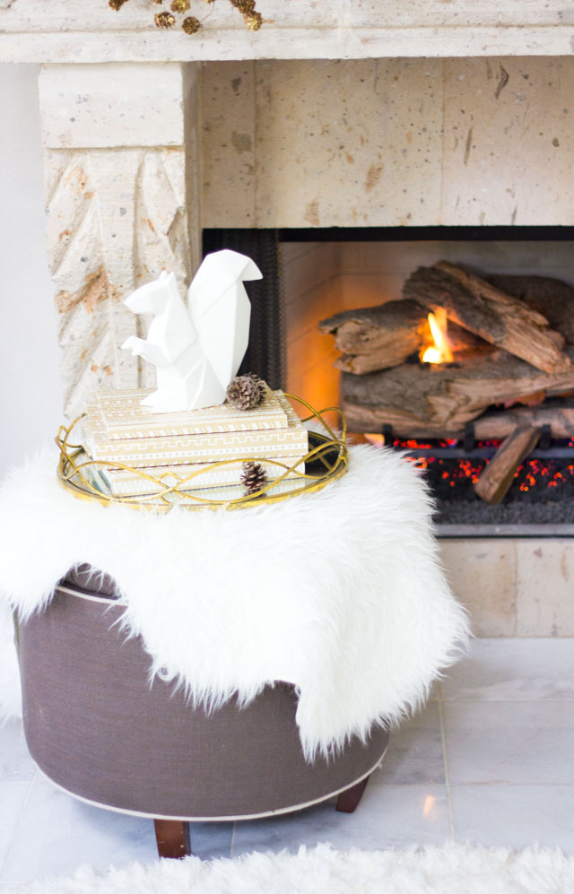 Modern winter Christmas mantel ideas