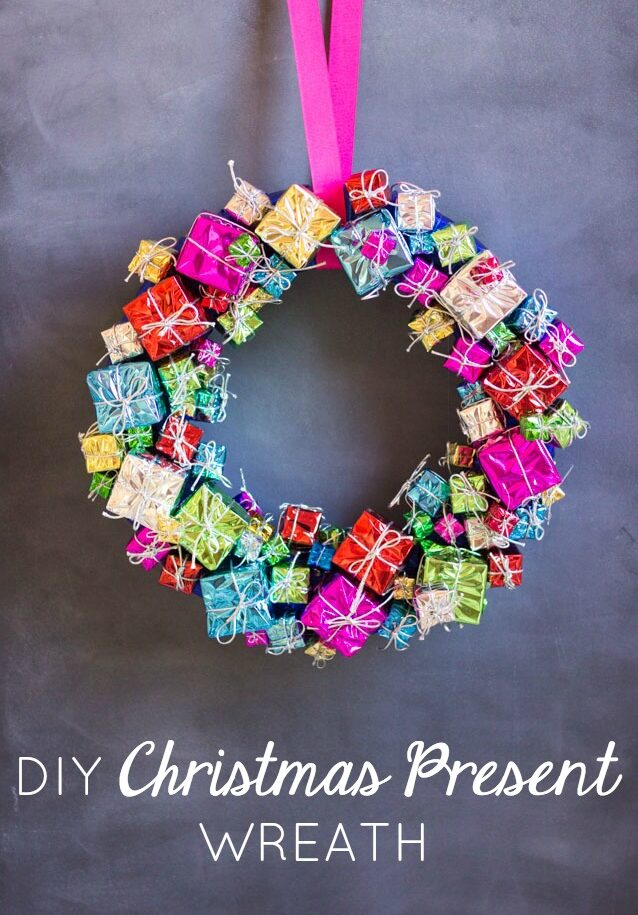 Make a Christmas Gift Wreath