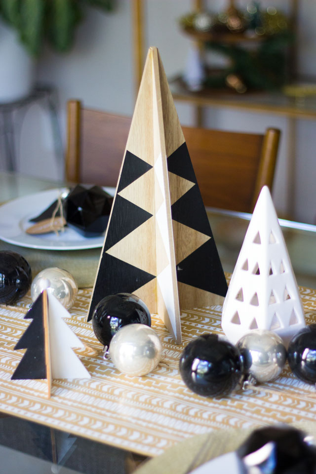 Modern Black & White Christmas Decor Ideas