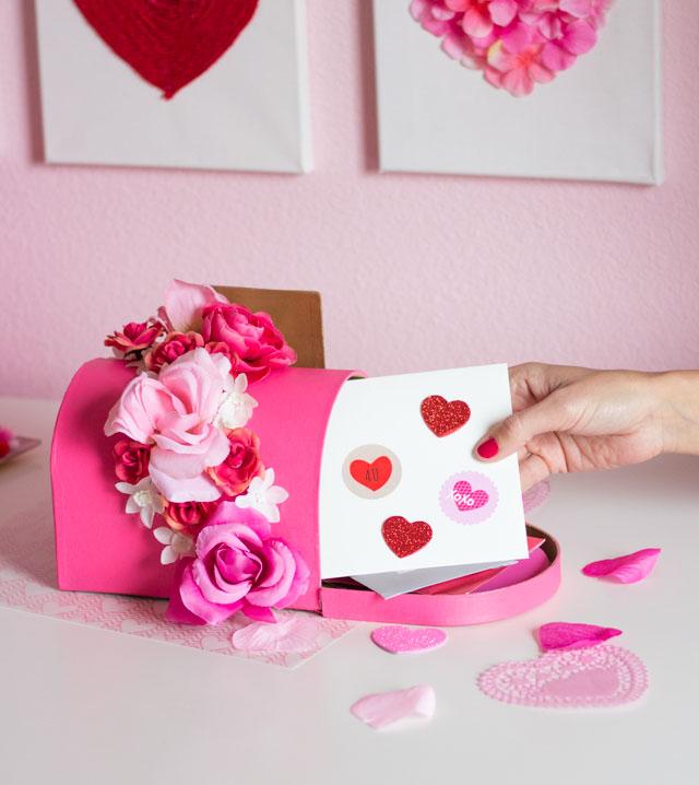 DIY floral Valentine mailbox