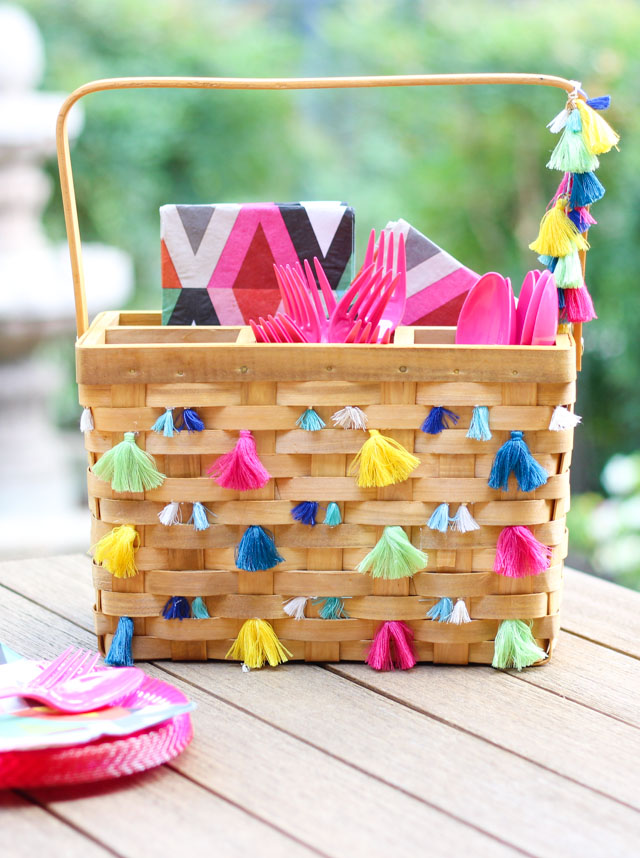 Tassel Decorated DIY Picnic Caddy