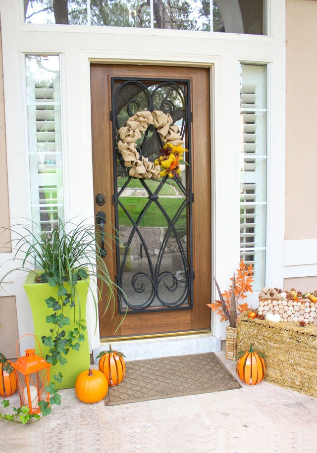 5 Steps to a Fabulous Fall Front Porch!