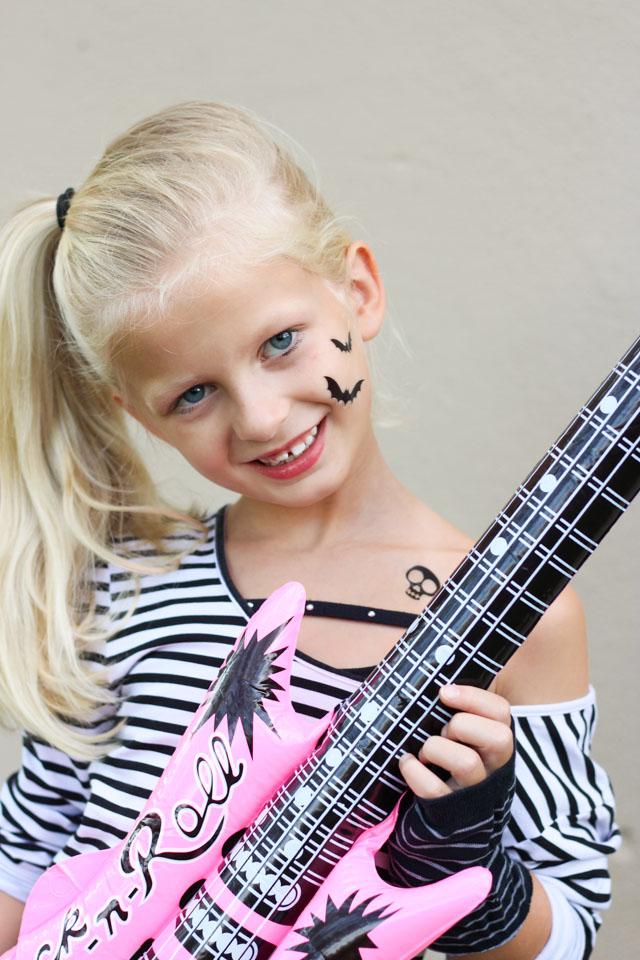 Girls rock star Halloween costume idea from the Goodwill