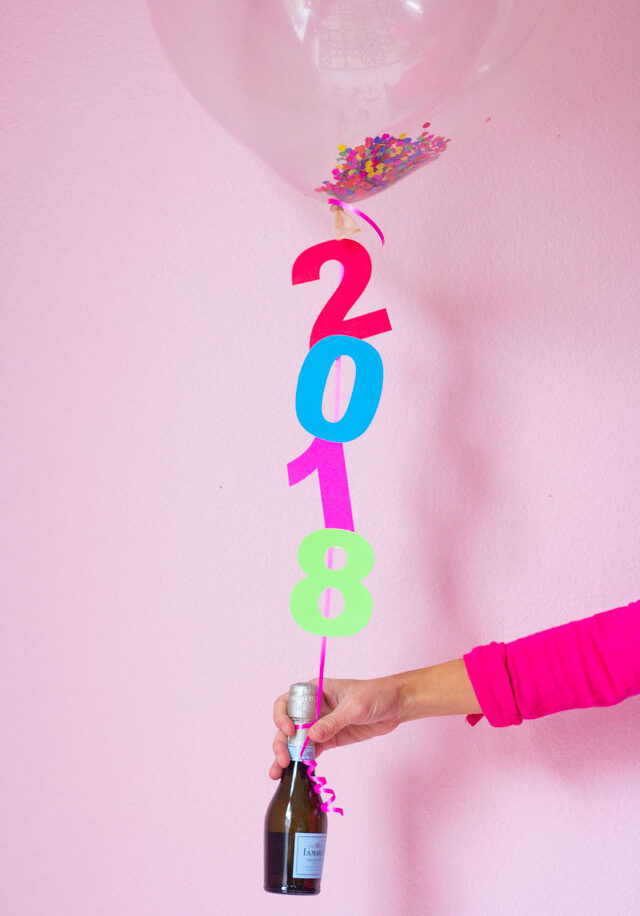 DIY New Years Eve Balloons!