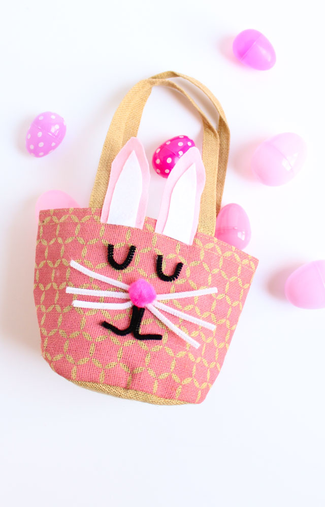 Turn a bag into an bunny Easter basket in under 30 minutes for under $10! #easterbasket #easterbasketideas #bunnybasket
