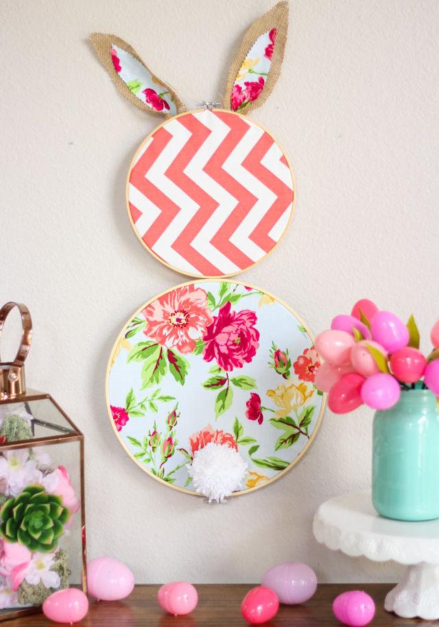 DIY Embroidery Hoop Easter Bunny