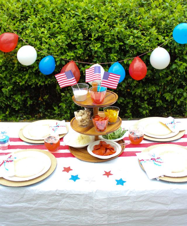 Memorial Day: Simple Backyard Party Ideas - Design ImprovisedDesign on backyard barbecue decor ideas, backyard movie diy, backyard bbq food table decorating, backyard bbq wedding ideas, backyard barbeque pool party,