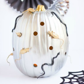 Make a creepy-crawly pumpkin with mice and snakes for Halloween!