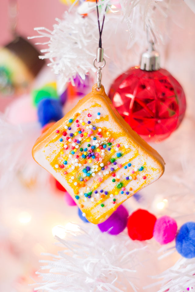 Make squishie sweet treat Christmas ornaments! #squishie #squishies #squishiecraft