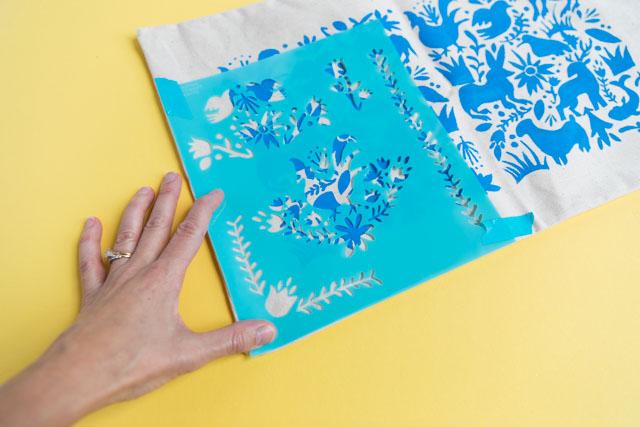 Otomi stencil craft idea #Otomi #otomistencil #Otomipillow
