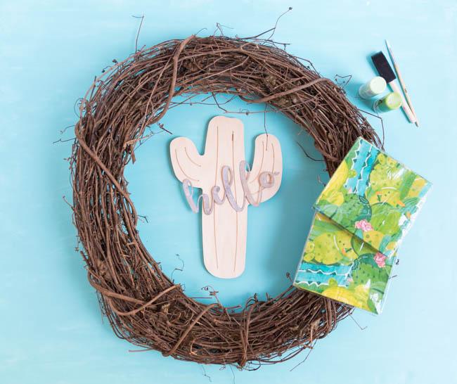 Supplies for napkin wreath