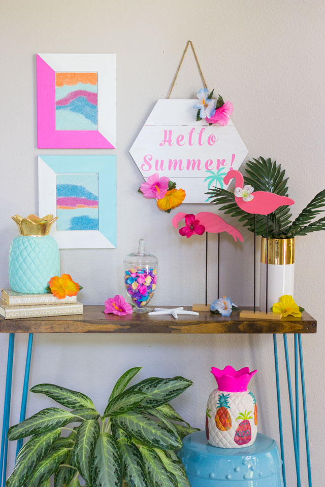 Summer decorated foyer
