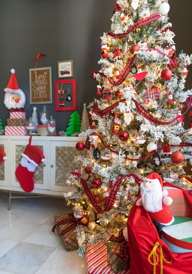 7 DIY Santa Decorations You Can Make