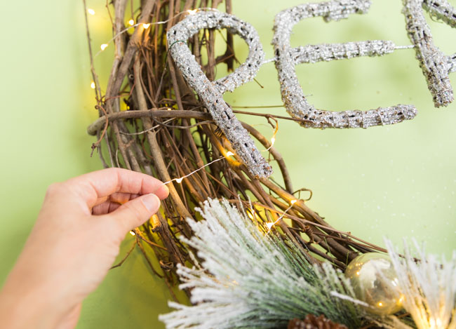 How to add lights to a wreath
