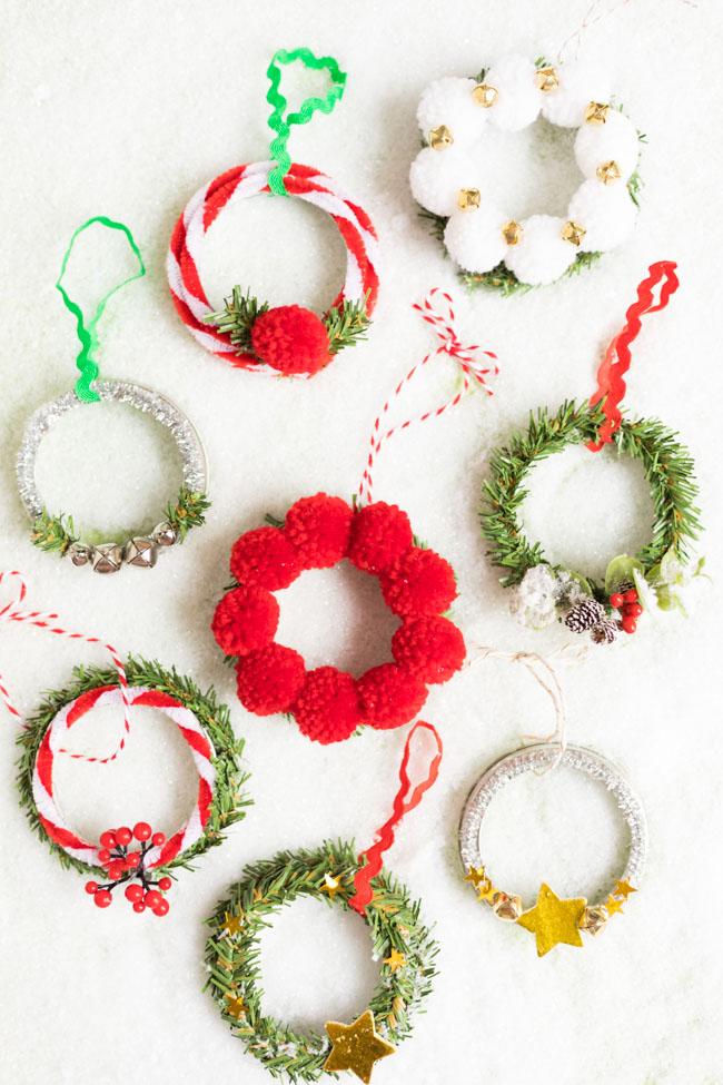 Mini wreath ornaments from mason jar lids
