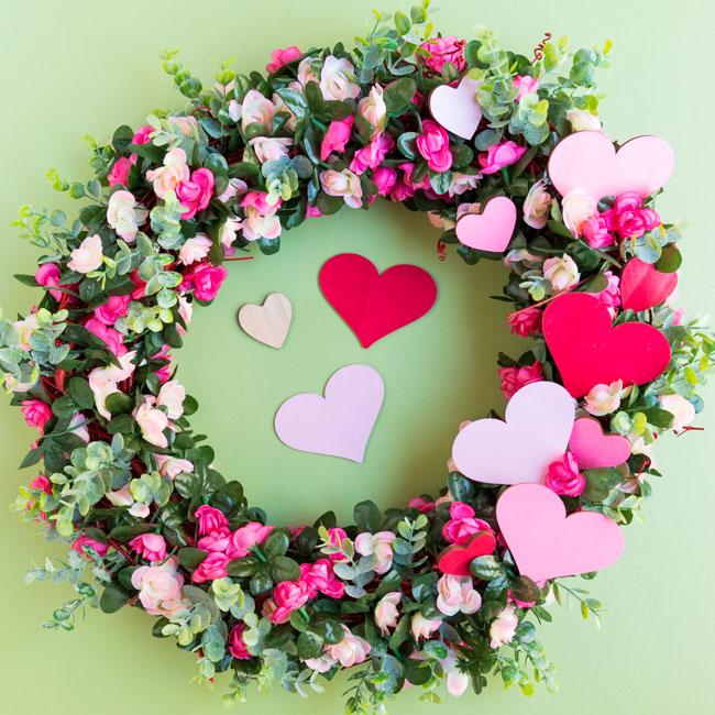 DIY Valentine Rose Wreath