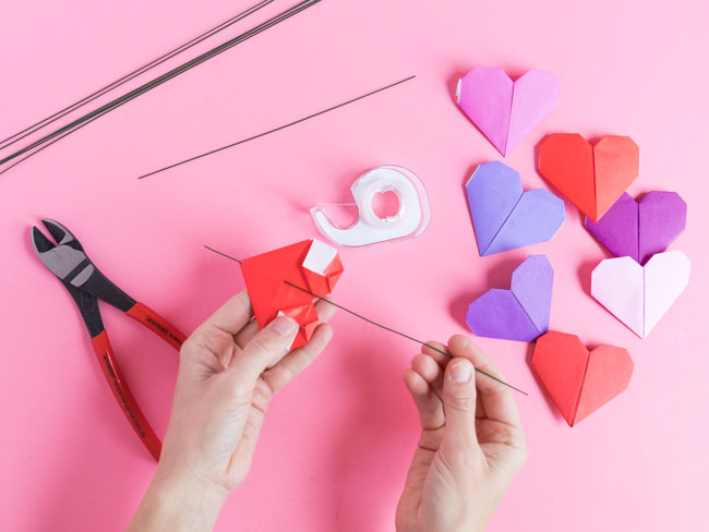 How to make origami flowers with hearts