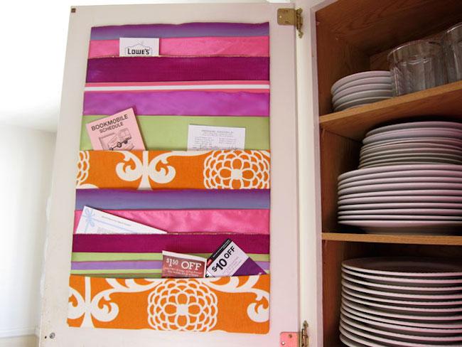Crafts with ribbon: DIY memo board idea