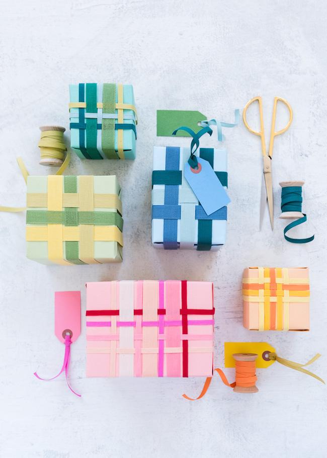 Ribbon Weaving Gift Wrap