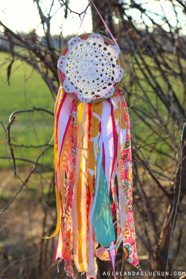 DIY Ribbon Project: Doily Dreamcatcher