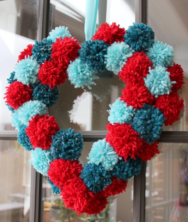 DIY Heart Pom-Pom Wreath